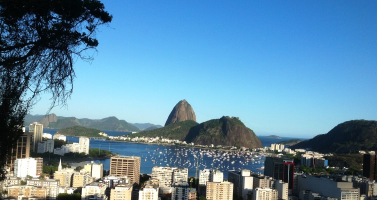 Rio de Janeiro: Un été brésilien (Agosto) par Rubem Fonseca