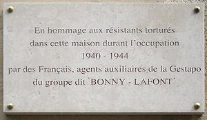 300px-Plaque_Gestapo_française,_93_rue_Lauriston,_Paris_16