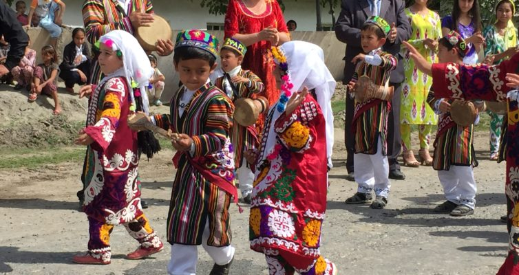 Tadjikistan: Hurramabad par Andrei Volos